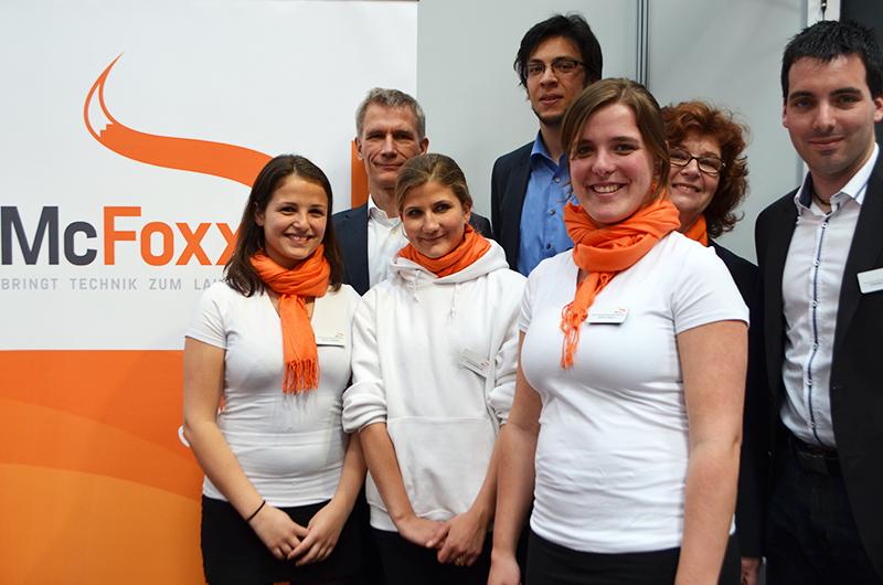 von links nach rechts: Rachel Stenmans, Dr. Matthias Papenfuß, Judith Papenfuß, Ramin Fleckner, Sara Engels, Gudrun Schimmelpfennig, Stefan Willnat